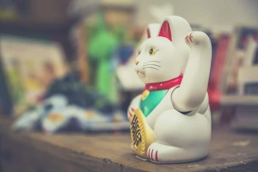 Figura del gato de la suerte o Maneki Neko