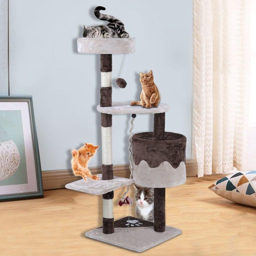 Vista de un árbol para gatos