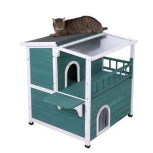 Preciosa casita de madera pintada de verde azulado para gatos