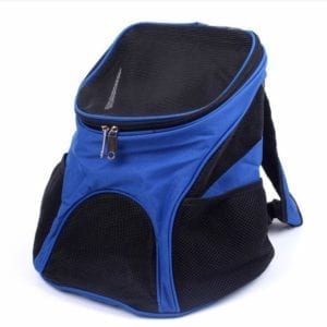 Modelo de mochila de color azul para gatos