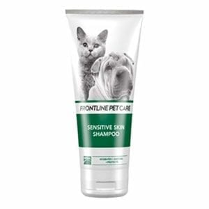 Es un champú para gatos que tienen la piel sensible
